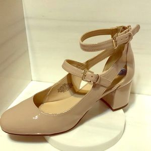 Nine West Nude heels ankle strap size 7 1/2